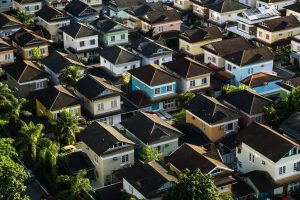 How do I qualify for mortgage insurance